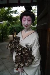 We met a real-life geiko - interesting!