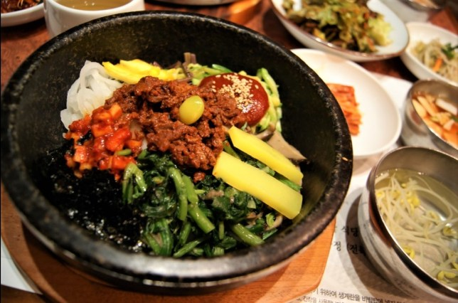 Jeonju bibimbap is supposed to be the best bibimbap. It was the best one I have eaten and certainly the prettiest one.