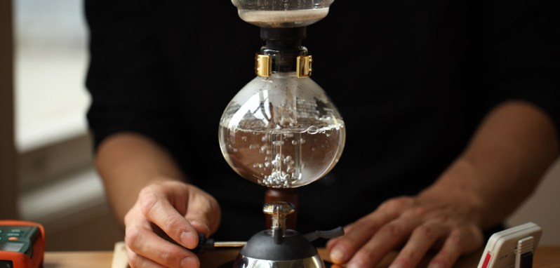 Siphon Coffee Brewing Guide - How to Brew Coffee - Blue Bottle Coffee