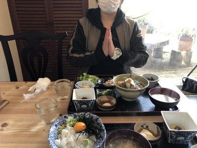 遅めのお昼ご飯