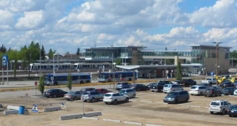 English: Century Park LRT Station - Thankyoubaby