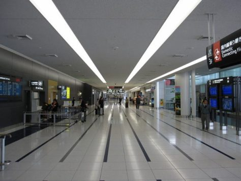 Hallway at arrival floor. This photo was taken from the gate of international arrival. (C) Gryffindor - Chubu Chubu International Airport