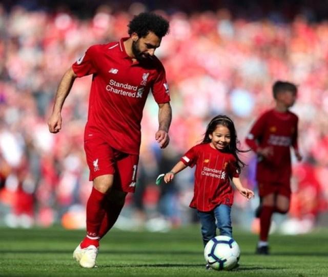 Aksi Lucu Putri Mohamed Salah Kala Mencetak Gol Di Stadion Anfield