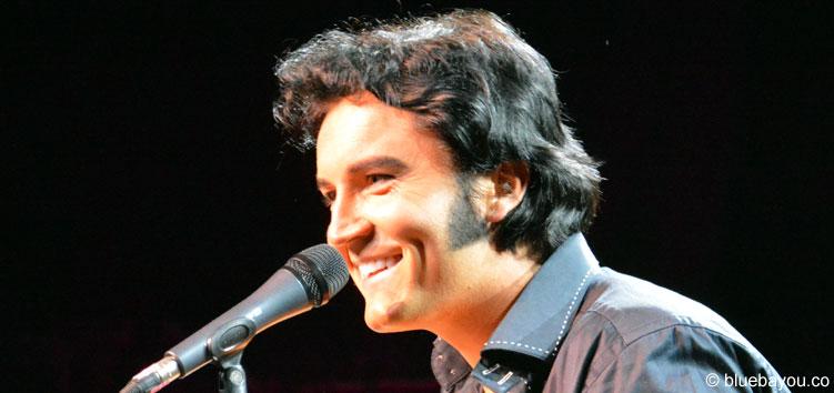 Ben Portsmouth mit seinem charismatischen Lächeln während der Elvis Week Konzerts in 2015 in Memphis.
