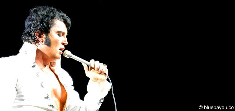 Ben Portsmouth am zweiten Konzertabend der Elvis Week im New Daisy Theater in Memphis.