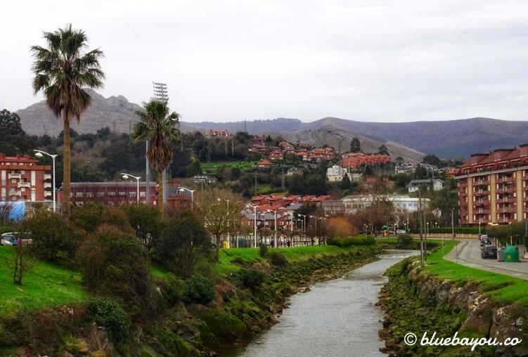 Ausblick auf Castro Urdiales entlang des Jakobswegs.