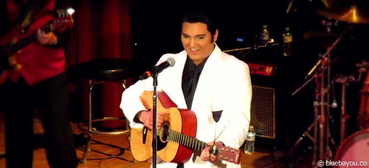 """Cody Ray Slaughter beim """"Happy Birthday Elvis Konzert"""" während des Georgia Elvis Festivals 2015."""