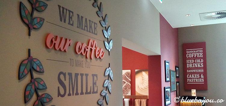 Costa Coffee in Frankfurt am Main: gemütlich kann man hier bei einem Kaffee entspannen.