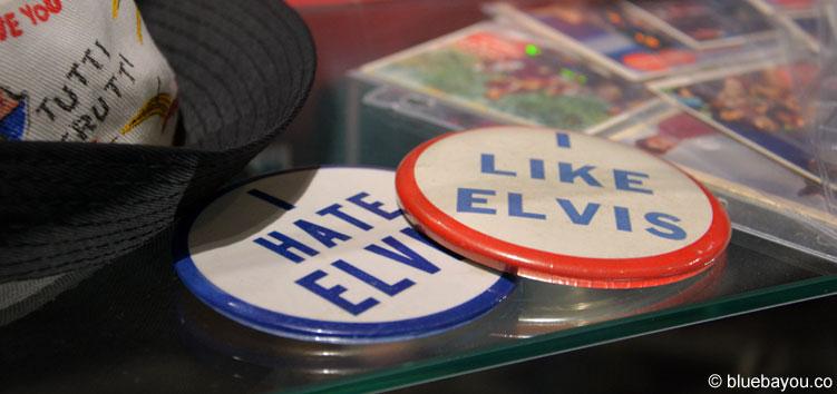 Elvis at the O2: Original Merchandise-Artikel, die es früher zu kaufen gab.