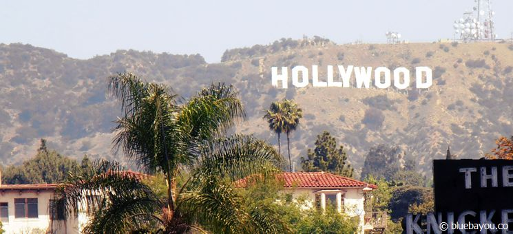 Ausblick auf das berühmte Hollywood-Sign in den Hollywood Hills in Los Angeles.