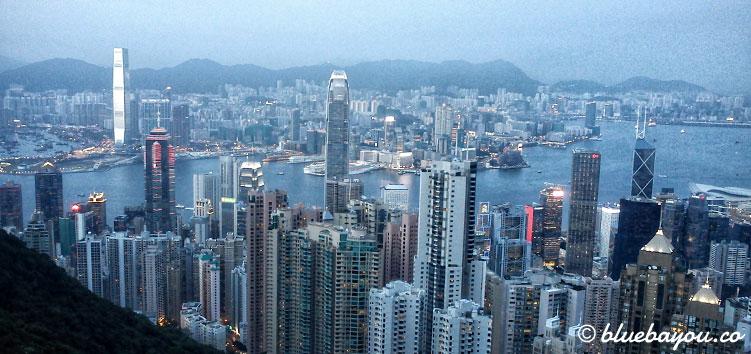 Blick über Hongkong während der Reise mit dem Around-the-World-Ticket.