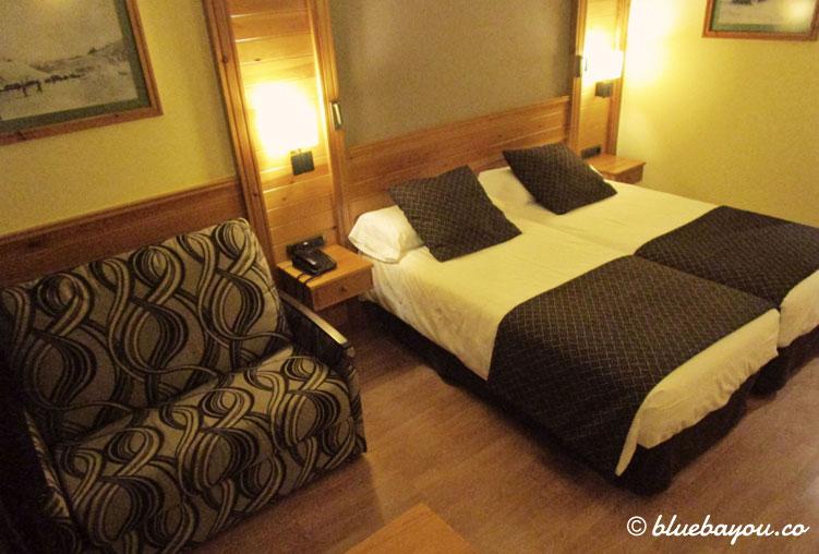 Ein Doppelzimmer im 4-Sterne-Hotel Nordic in Andorra.