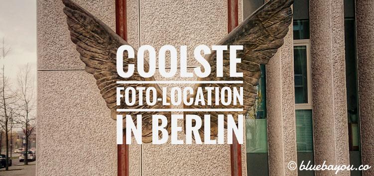 Vor der Botschaft von Mexiko in Berlin dienen zwei goldene Flügel als coole Foto-Location.