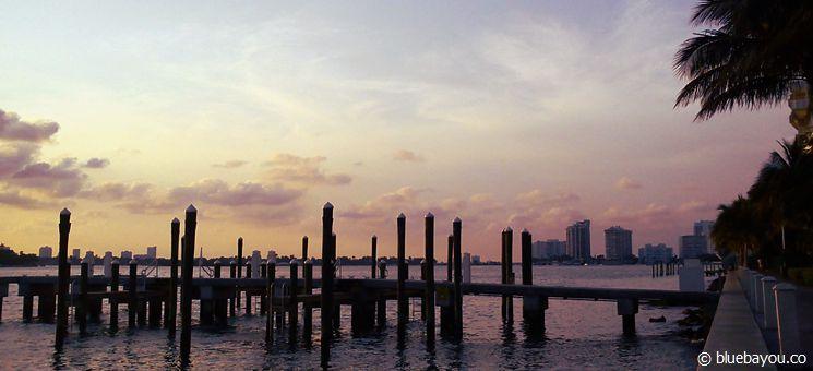 Sonnenuntergang an der Bay in Miami.