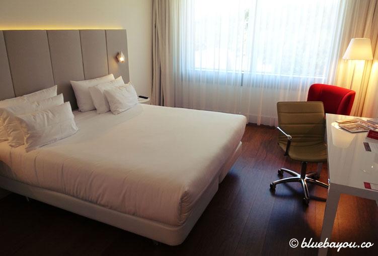 Ein Superior Zimmer im NH Collection Hotel Köln Mediapark.
