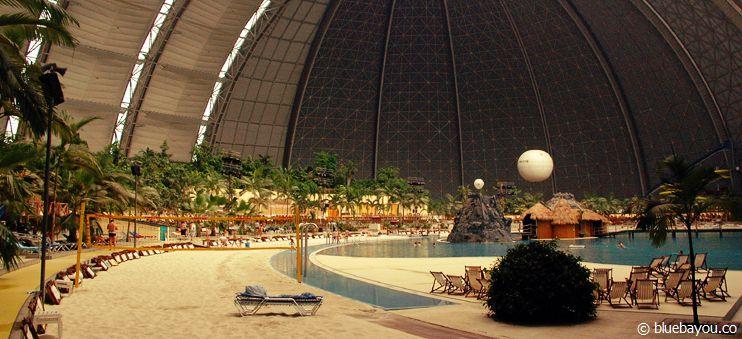 Tropical Island: Eine riesige und subtropische Halle, die Fernwehgeplagte in den Osten Deutschlands locken soll.