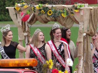 a lovely shot of 3 smiling, laughing ladies: Erica Nissen, Miss New Denmark Megan Bach, and Sarah Bourque Bates