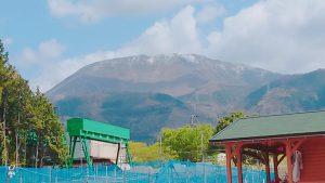 4月に積雪の伊吹山