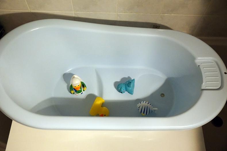 bath table solution