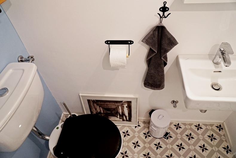 bathroom downstairs 9