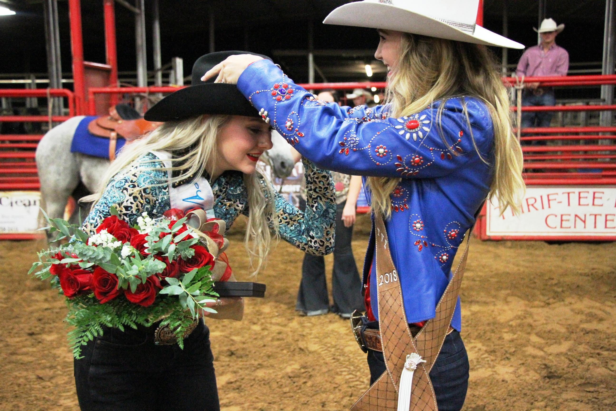 Tve Crowns New Rodeo Queen Bluebonnet News