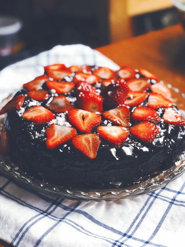 Flourless Chocolate Ganache Cake with Strawberries | Where the BlueBoots GoFlourless Chocolate Ganache Cake with Strawberries | Where the BlueBoots Go