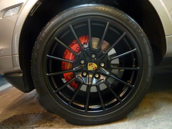20130410-porsche-cayenne-turbo-03