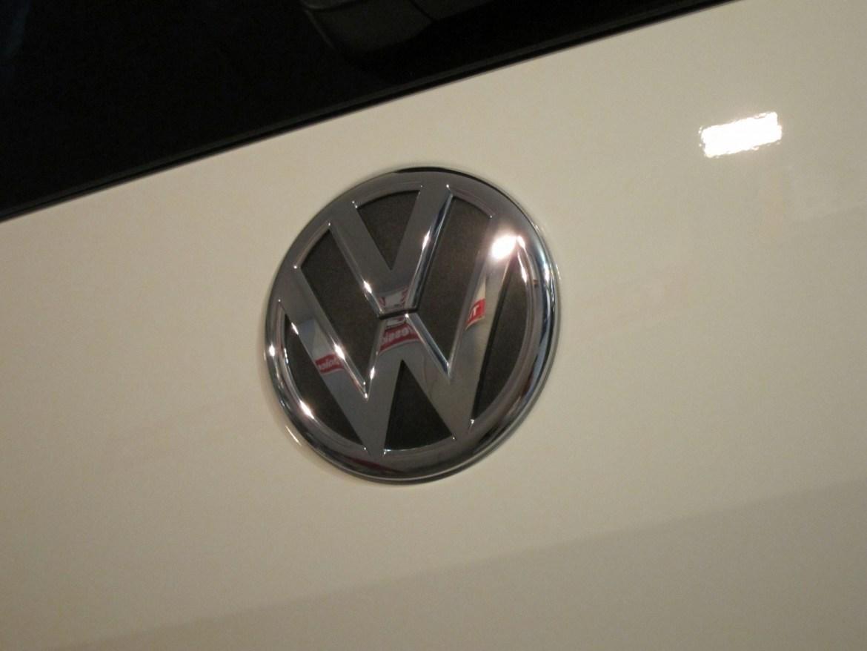 20141212volkswagen-sharan-04