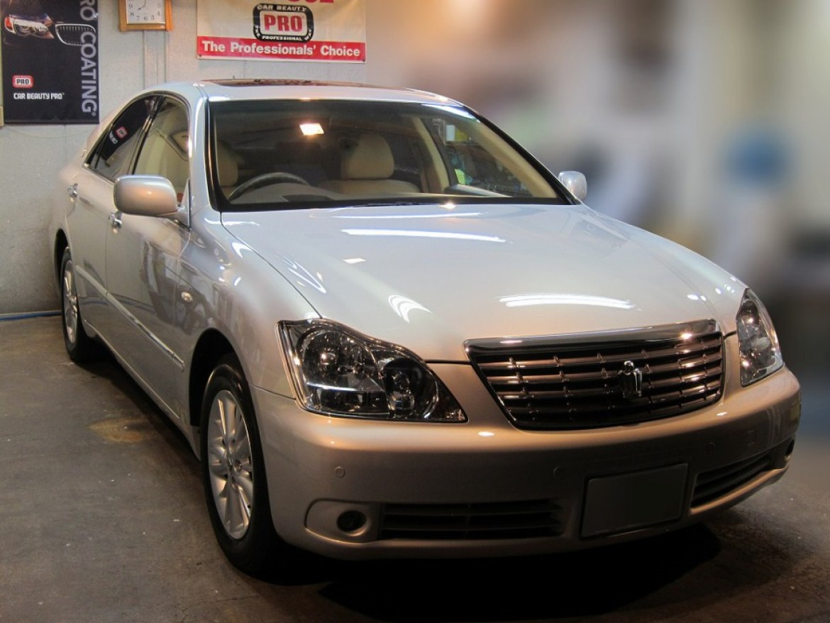 20160109-toyota-crown-royalsaloon-01