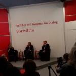 Politiker mit Autoren im Dialog