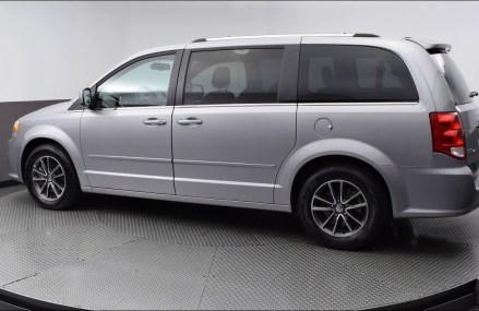 2017 Billet Clearcoat Dodge Grand Caravan 4D Passenger Van #HR760929 Near Moretown 5660 VT