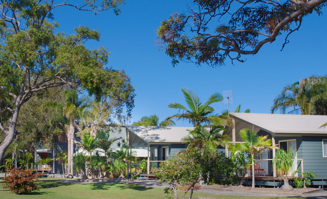 Waterfront villa accommodation on the banks of the Clarence River in Yamba