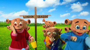 The Zoonies characters heading to the seaside