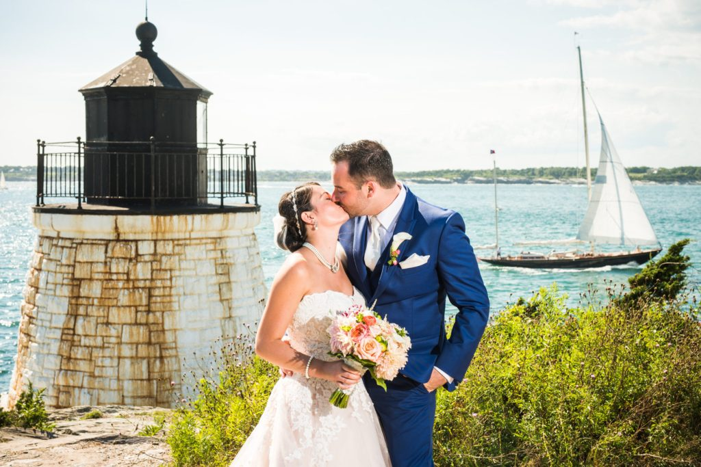 Courtney and Daniel | Wedding at OceanCliff Hotel | Blueflash Photography