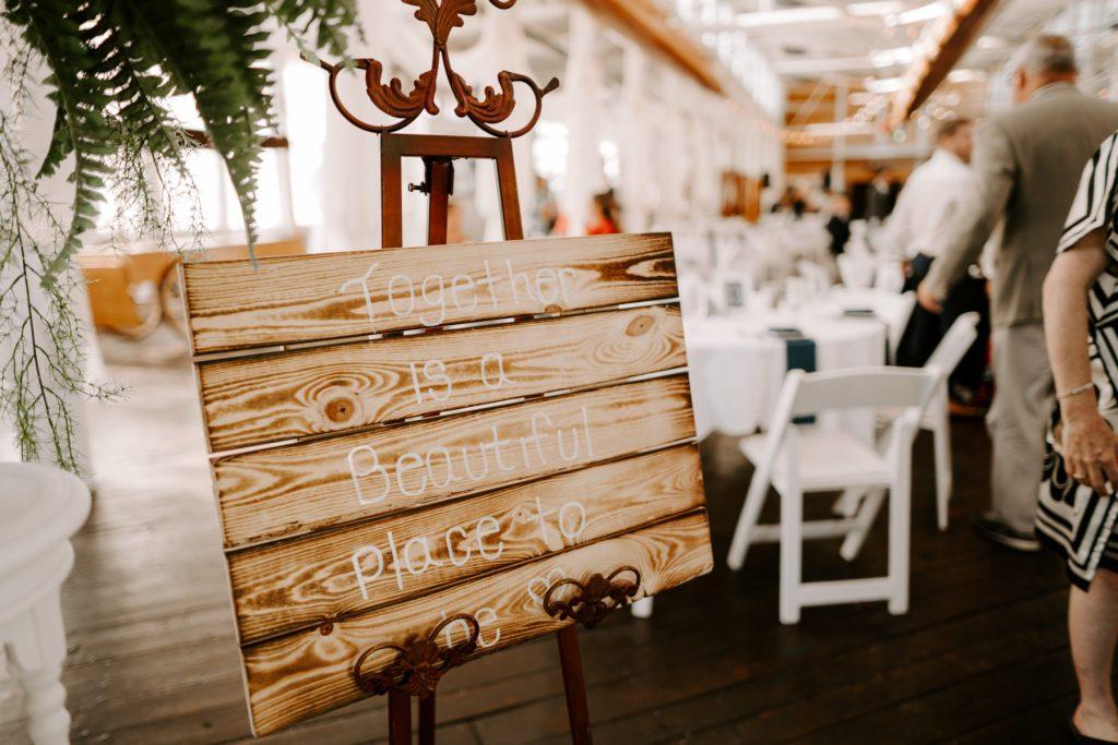 Jones River Trading Post Kingston Wedding Leanne and Craig Blueflash Photography20