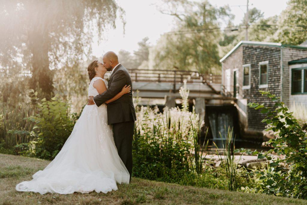 Jones River Trading Post Kingston Wedding Leanne and Craig Blueflash Photography23