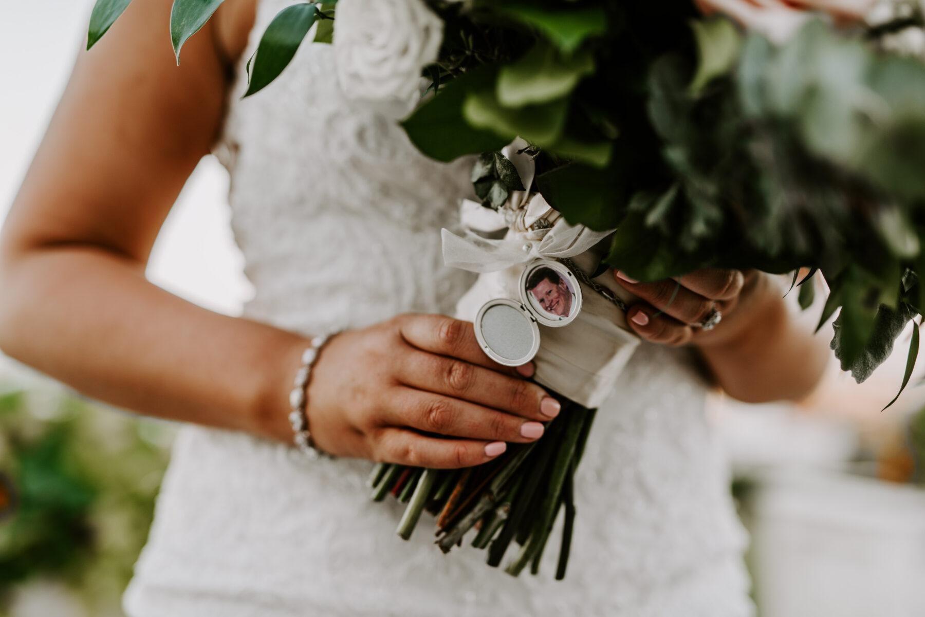 Spring House Block Island Wedding Abby and Lance Blueflash Photography 12
