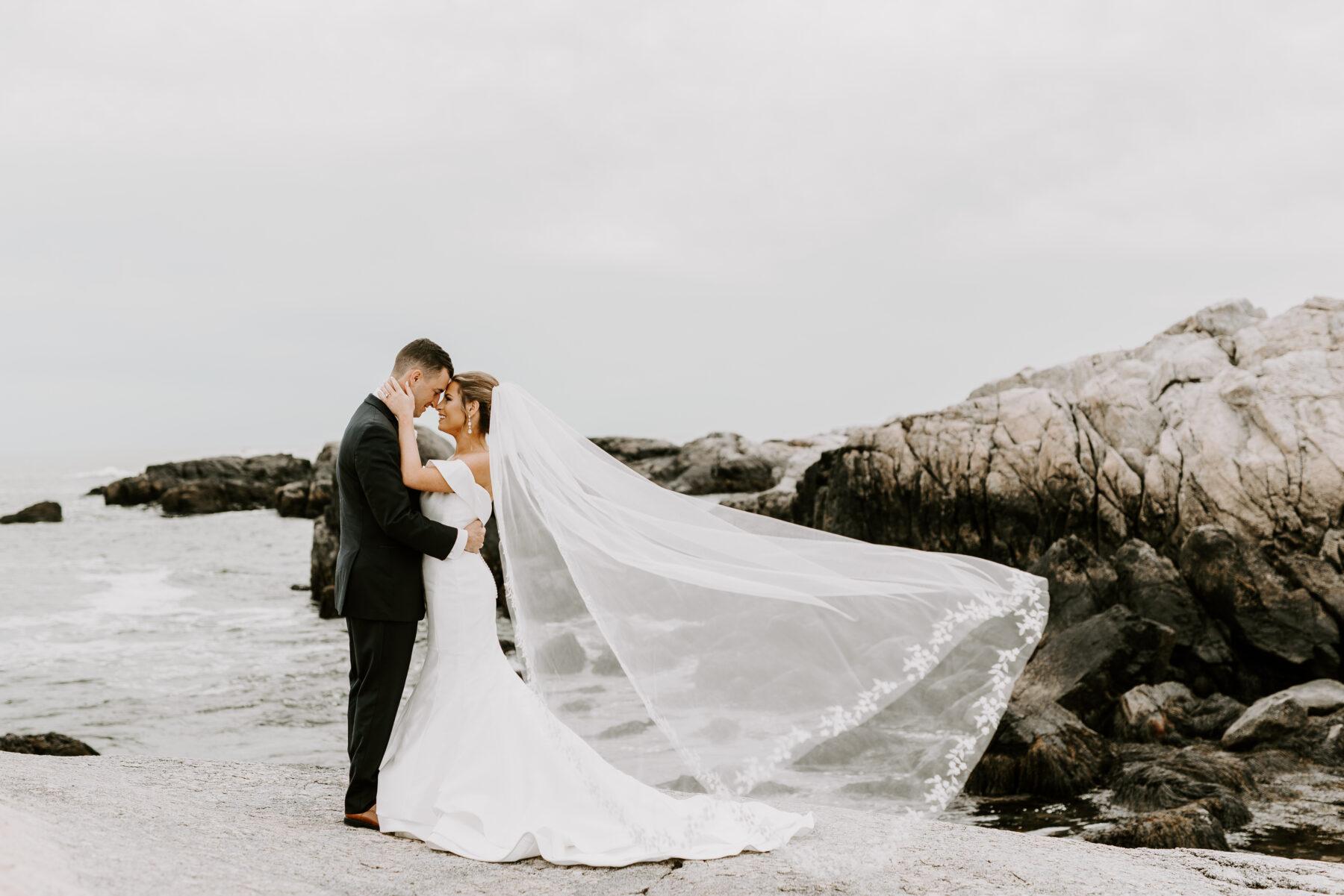 OceanCliff Newport Wedding Carley and Brian Blueflash Photography 13