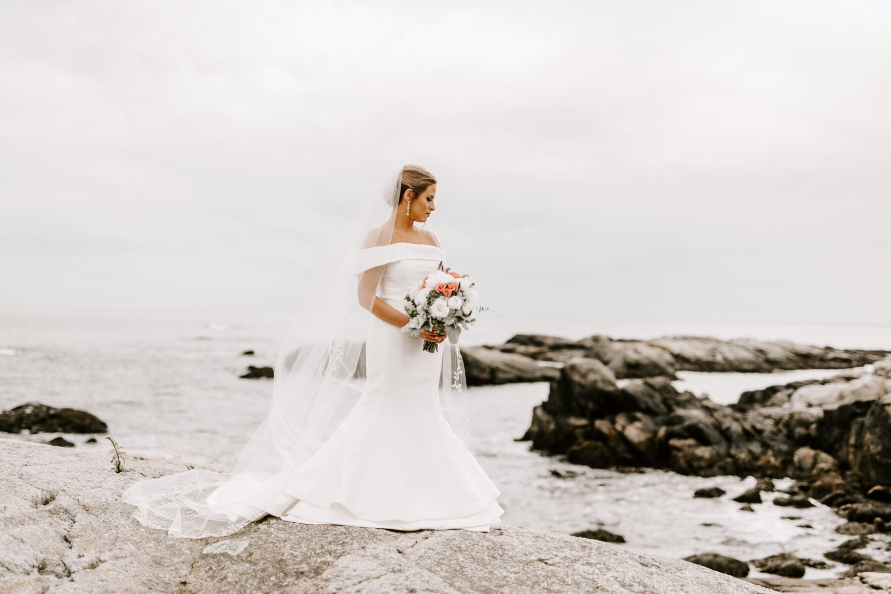 OceanCliff Newport Wedding Carley and Brian Blueflash Photography 5