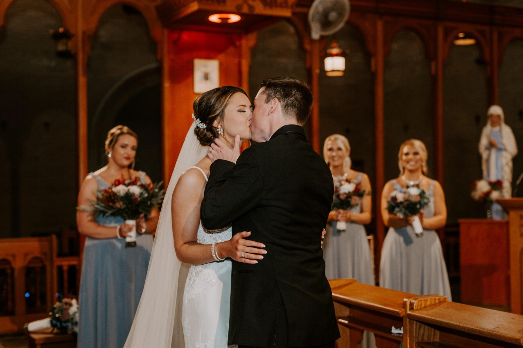 Aldrich Mansion Warwick Wedding Lauren and Paul Blueflash Photography 13