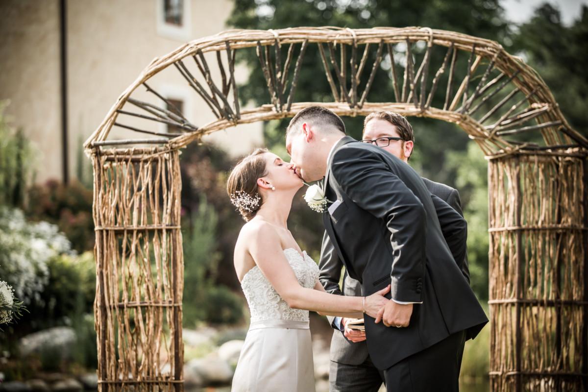 Chrissy and Craig | Mirbeau Inn Wedding | Blueflash Photography