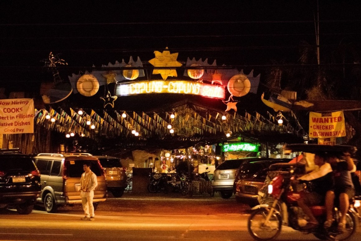19 Copung Copung Grill at Night