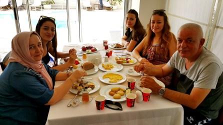 antalya açıkbüfe kahvaltı konyaaltı denize kenarında oteller best breakfast in antalya (59)
