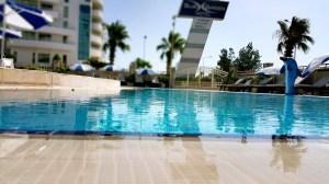 antalya yüzme havuzu konyaaltı sahilde oteller blue garden hotel (30)