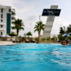 antalya yüzme havuzu konyaaltı sahilde oteller blue garden hotel (34)