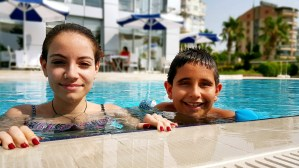 antalya yüzme havuzu konyaaltı sahilde oteller blue garden hotel (36)