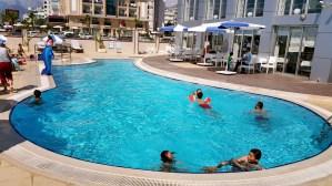 antalya yüzme havuzu konyaaltı sahilde oteller blue garden hotel (39)
