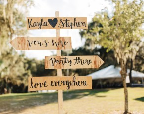 Details, details, details... This wedding was full of cute signs with garlands, love and history.