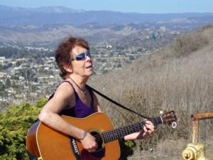 Kajsa Ohman and guitar