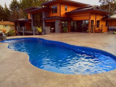 Mediterranean Blue Hawaiian Pools of Michigan and Leisure Pools (5)